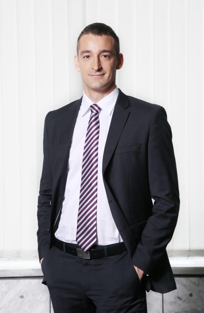 Jaša Perossa, direktor sektorja upravljanja portfeljev, NLB Skladi, d.o.o.